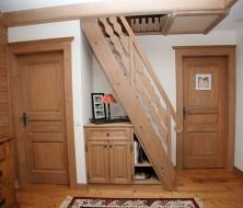 Portes, meuble et escalier de meunier en épicéa